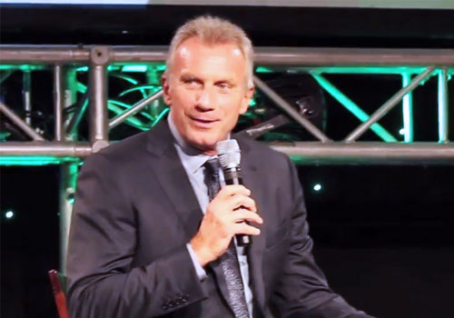 joe-montana-speaking-at-best-of-sw-missouri-preps-banquet-2015